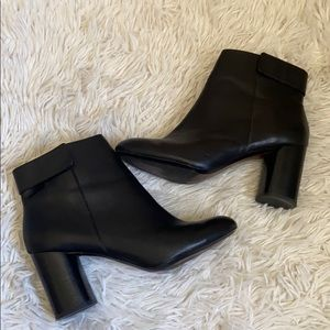 Zara woman black leather ankle booties